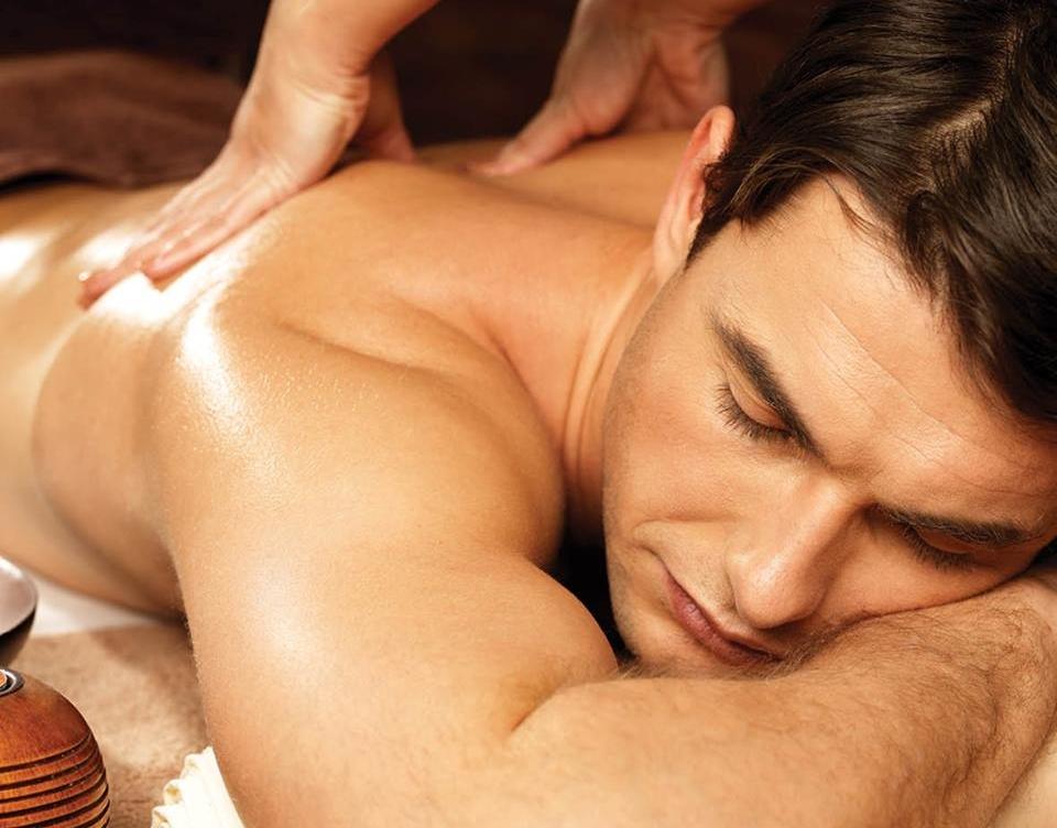 Чуттєвий еротичний масаж